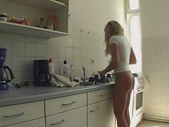 japan daughter fucked in kitchen